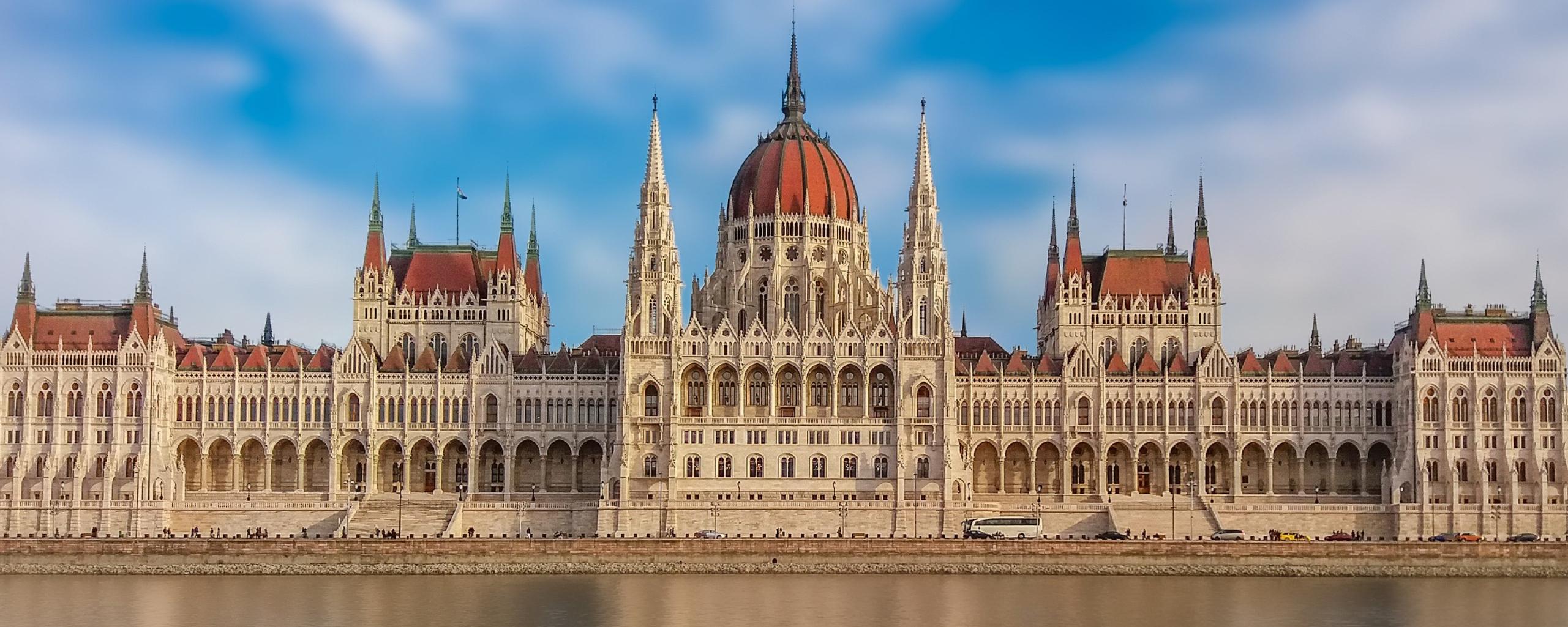 Ausbildung, Qualifizierung, Energieeffizienz, Klimaschutz, Ungarn, AHK, Außenhandelskammer, Parlament, DIHK, EUKI, BMUB